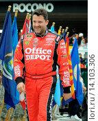 Купить «Tony Stewart - POconos/Pennslyvania/USA - SUNOCO RED CROSS PENNSLYVANIA 500», фото № 14103306, снято 1 августа 2010 г. (c) age Fotostock / Фотобанк Лори
