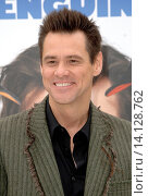 Jim Carrey - Hollywood/California/United States - MR. POPPERS PENGUINS FILM PREMIERE (2011 год). Редакционное фото, фотограф visual/pictureperfect / age Fotostock / Фотобанк Лори