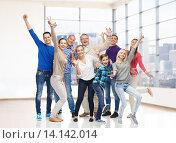 Купить «group of smiling people having fun», фото № 14142014, снято 21 октября 2015 г. (c) Syda Productions / Фотобанк Лори