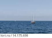 Купить «Яхта в Черном море», фото № 14175698, снято 16 июля 2015 г. (c) Ивашков Александр / Фотобанк Лори