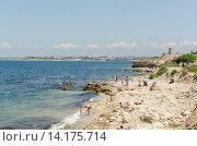 Пляж рядом с Херсонесом (2015 год). Редакционное фото, фотограф Ивашков Александр / Фотобанк Лори