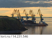 Купить «Siberian City Anadyr harbour, Chukotka Province, Russian Far East.», фото № 14231546, снято 20 февраля 2018 г. (c) age Fotostock / Фотобанк Лори
