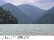 Озеро Рица. Стоковое фото, фотограф Ирина Мандровская / Фотобанк Лори