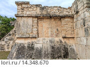 Купить «Wall At Temple of the Warriors Chichen Itza Mexico», фото № 14348670, снято 3 июня 2020 г. (c) age Fotostock / Фотобанк Лори