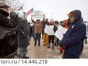 Warren, Michigan - Members of Jobs with Justice rally to support workers at a Walmart supply chain warehouse in Indiana who refused to work without heat... Редакционное фото, фотограф Jim West / age Fotostock / Фотобанк Лори