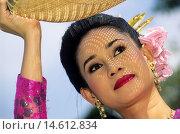 Купить «traditional folk dance performed at Vimanmek Mansion, Bangkok, Thailand, Southeast Asia.», фото № 14612834, снято 16 июня 2019 г. (c) age Fotostock / Фотобанк Лори