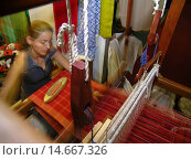 Купить «Weaver makes crafts, Handmade lace making, display, Goiânia, Brazil.», фото № 14667326, снято 17 сентября 2003 г. (c) age Fotostock / Фотобанк Лори