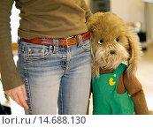 Купить «young woman / twen, womans waist, big soft toy leaning on her hips», фото № 14688130, снято 9 мая 2005 г. (c) age Fotostock / Фотобанк Лори