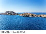 Купить «Вид островов Фриульского архипелага Помег и Ратонно, Франция», фото № 15036042, снято 20 июля 2015 г. (c) Rokhin Valery / Фотобанк Лори