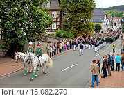 Купить «procession through the streets at a fair featuring shooting matches in Balve, Germany, North Rhine-Westphalia, Sauerland, Balve», фото № 15082270, снято 5 августа 2014 г. (c) age Fotostock / Фотобанк Лори
