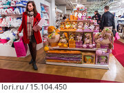 Купить «Paris, France, People Shopping inside French Department Store, Galeries Lafayettes, Children´s Toys», фото № 15104450, снято 22 ноября 2014 г. (c) age Fotostock / Фотобанк Лори