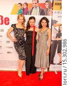 Julia Dietze, Idil Uener, Sesede Terziyan at the Premiere of Einmal... (2014 год). Редакционное фото, фотограф AEDT / WENN.com / age Fotostock / Фотобанк Лори