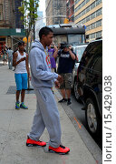 Купить «Nick Cannon, who recently confirmed reports that he and wife Mariah Carey have separated and have been living apart for months, is spotted leaving his...», фото № 15429038, снято 26 августа 2014 г. (c) age Fotostock / Фотобанк Лори
