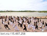 Массовый танец юных танцоров (2011 год). Редакционное фото, фотограф Евгений Красильников / Фотобанк Лори