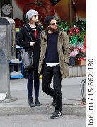 Купить «Emma Stone and Andrew Garfield out and about in the West Village. According to reports Garfield has grown his bushy facial hair for an upcoming drama,...», фото № 15862130, снято 25 ноября 2014 г. (c) age Fotostock / Фотобанк Лори