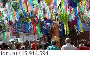 Купить «Major de Gracia Festival in Barcelona, Spain.», видеоролик № 15914594, снято 16 августа 2015 г. (c) Яков Филимонов / Фотобанк Лори