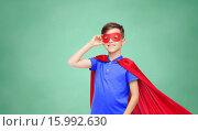 Купить «boy in red superhero cape and mask», фото № 15992630, снято 6 ноября 2015 г. (c) Syda Productions / Фотобанк Лори