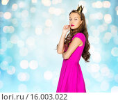 Купить «young woman or teen girl in pink dress», фото № 16003022, снято 31 октября 2015 г. (c) Syda Productions / Фотобанк Лори