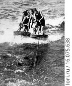 Купить «San Francisco, California: September 11, 1924. Four aquaplaners brave the chilly waters of San Francisco Bay to prove that love can survive at any speed!», фото № 16075638, снято 15 октября 2018 г. (c) age Fotostock / Фотобанк Лори