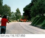 Abele Tanghetti's Chevron B21 engulfed in flames after crashing in the Targa Florio, sicily 1973. Стоковое фото, фотограф GP Library \ UIG / age Fotostock / Фотобанк Лори