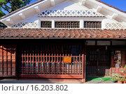 Купить «Japan, Chugoku Region, Okayama Prefecture, Takahashi, Nariwa, Traditional house.», фото № 16203802, снято 19 февраля 2019 г. (c) age Fotostock / Фотобанк Лори