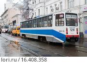 Купить «Трамвай № 37 на Бауманской улице», эксклюзивное фото № 16408358, снято 17 ноября 2009 г. (c) Алёшина Оксана / Фотобанк Лори