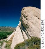 Купить «Mormon Rocks on the San Andreas Earthquake Fault. Cajon Canyon. San Bernardino County. California. USA», фото № 16432294, снято 19 февраля 2020 г. (c) easy Fotostock / Фотобанк Лори