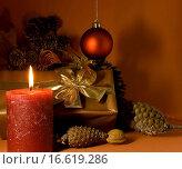Купить «weihnachts_dekoration mit den kerzen», фото № 16619286, снято 18 ноября 2008 г. (c) easy Fotostock / Фотобанк Лори