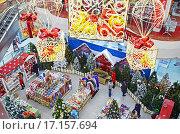 Рождественская торговля в супермаркете, Ulaanbaatar, Монголия (2015 год). Редакционное фото, фотограф Юлия Батурина / Фотобанк Лори