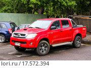 Купить «Toyota Hilux», фото № 17572394, снято 20 ноября 2015 г. (c) Art Konovalov / Фотобанк Лори