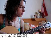 Купить «girl playing guitar», фото № 17825358, снято 17 августа 2018 г. (c) easy Fotostock / Фотобанк Лори