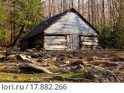 Купить «Old barn in Smoky Mountains», фото № 17882266, снято 31 мая 2020 г. (c) easy Fotostock / Фотобанк Лори