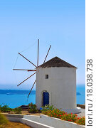 Купить «Windmill at Santorini island, Greece», фото № 18038738, снято 30 марта 2020 г. (c) easy Fotostock / Фотобанк Лори