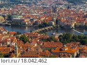 Вид на Прагу с высоты холма Петрин (2015 год). Стоковое фото, фотограф Dmitrii Shafranskii / Фотобанк Лори