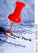 Купить «Thumbtack in a Map», фото № 18095754, снято 16 июля 2019 г. (c) easy Fotostock / Фотобанк Лори