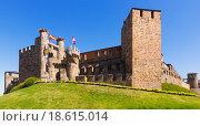 Купить «Templar Castle. Ponferrada, Castile and Leon, Spain», фото № 18615014, снято 28 июня 2015 г. (c) Яков Филимонов / Фотобанк Лори
