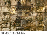 Купить «Carved stonework on the Temple of the Warriors at the ancient Mayan city of Chichen Itza, in Yucatan, Mexico», фото № 18732630, снято 7 июня 2020 г. (c) easy Fotostock / Фотобанк Лори