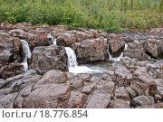 Купить «Плато Путорана, водопад среди скал», фото № 18776854, снято 29 июля 2011 г. (c) Сергей Дрозд / Фотобанк Лори
