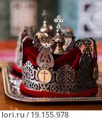 Купить «Свадебные корона для венчания», эксклюзивное фото № 19155978, снято 13 сентября 2015 г. (c) Игорь Низов / Фотобанк Лори