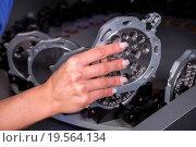 Купить «Technician in a dental lab working at a drilling or milling machine», фото № 19564134, снято 20 января 2019 г. (c) easy Fotostock / Фотобанк Лори