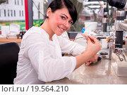 Купить «Technician at work in a dental lab or workshop producing a prostheis», фото № 19564210, снято 20 января 2019 г. (c) easy Fotostock / Фотобанк Лори