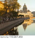 Купить «Река Мойка в Санкт-Петербурге», эксклюзивное фото № 19687450, снято 10 сентября 2012 г. (c) Александр Алексеев / Фотобанк Лори