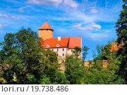 Купить «Medieval castle Veveri overlooking Svratka river, Brno dam, Southern Moravia, Czech Republic, Central Europe», фото № 19738486, снято 19 октября 2018 г. (c) easy Fotostock / Фотобанк Лори