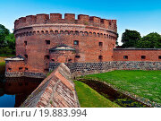 Купить «Defensive tower Dohna. Kaliningrad (Koenigsberg)», фото № 19883994, снято 24 января 2019 г. (c) easy Fotostock / Фотобанк Лори