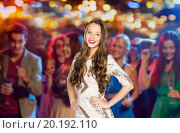 Купить «happy young woman or teen girl at disco club», фото № 20192110, снято 31 октября 2015 г. (c) Syda Productions / Фотобанк Лори