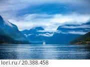 Купить «Cruise Liners On Hardanger fjorden», фото № 20388458, снято 17 июня 2015 г. (c) Андрей Армягов / Фотобанк Лори
