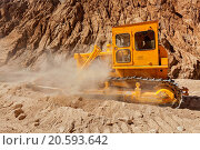 Купить «Bulldozer doing road construction in Himalayas. Ladakh», фото № 20593642, снято 12 ноября 2019 г. (c) easy Fotostock / Фотобанк Лори
