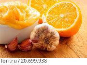 Купить «Honey garlic and lemon on wooden rustic table.», фото № 20699938, снято 24 февраля 2019 г. (c) easy Fotostock / Фотобанк Лори