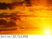 Купить «Небесный пейзаж в золотистых тонах», фото № 20723850, снято 30 мая 2015 г. (c) Сергей Трофименко / Фотобанк Лори