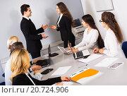 Купить «Two managers handshaking», фото № 20724906, снято 18 февраля 2019 г. (c) Яков Филимонов / Фотобанк Лори
